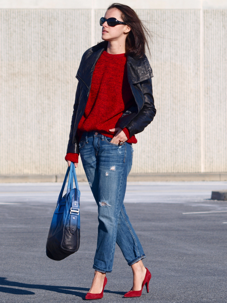 street style. leather jacket. sweater weather, bittersweet colours, denim, Diesel bag