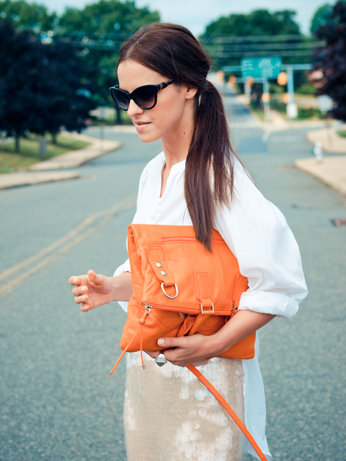 bittersweet colours, street style, colors, fashion trends, white shirt , orange bag,