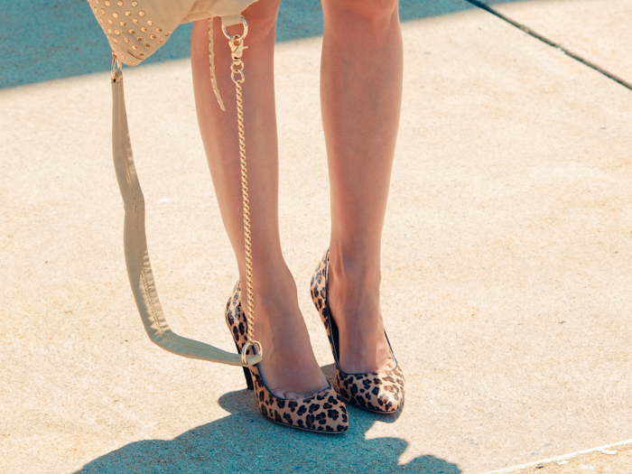bittersweet colours, street style, colors, fashion trends, leopard print pumps,