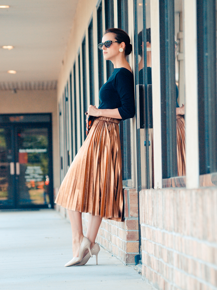 bittersweet colours,  colors, fashion trends, summer trends,  eye cat sunglasses, metallic skirt, ladylike