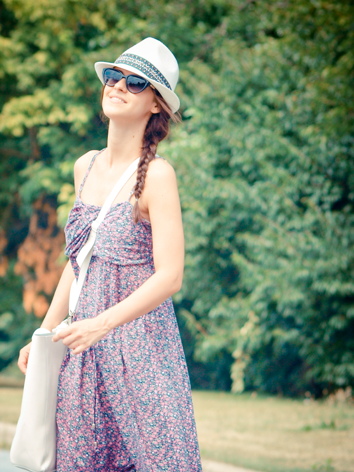bittersweet colours,  colors, fashion trends, summer trends, beach look, eye cat sunglasses, jumpsuit, fedora hat, floral prints,