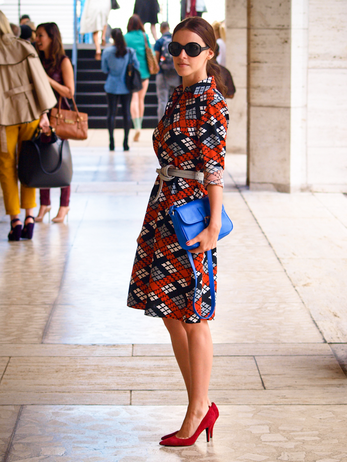 bittersweet colours, street style, nyfw, , nyfw street style, prints, vintage dress, red pumps, lincoln Center nyfw,