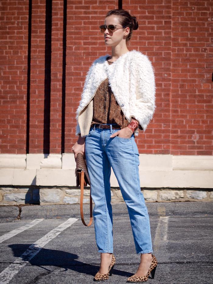 chanel bracelet, levis jeans, celine vintage bag, street style, bittersweet colours,