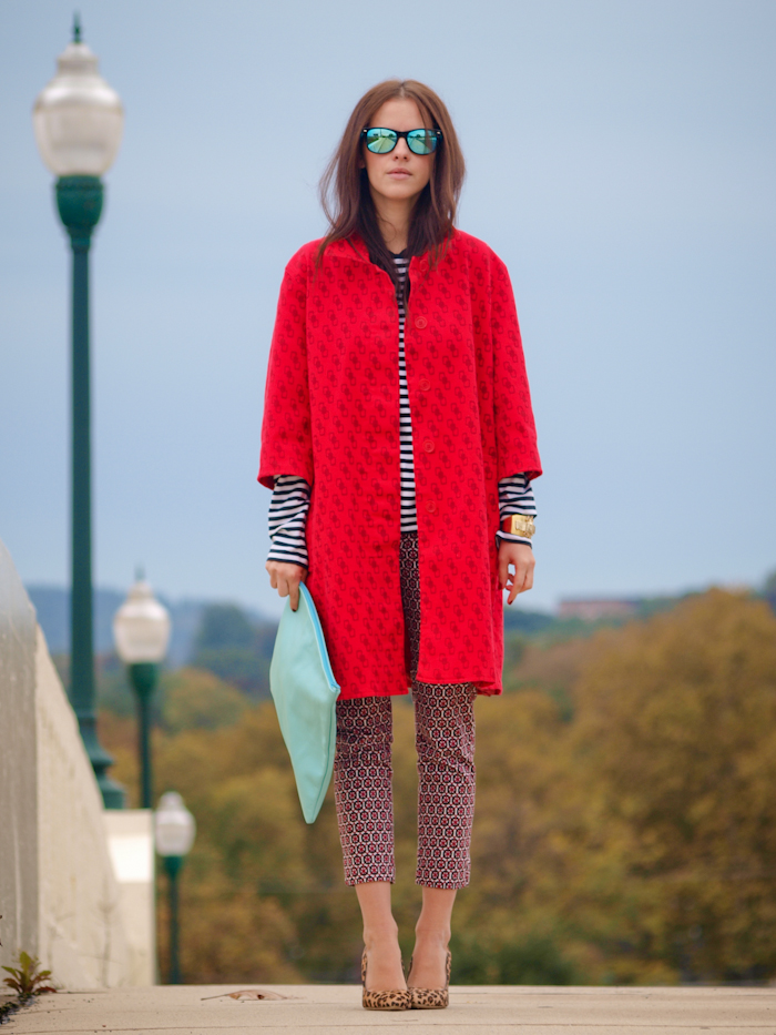 bittersweet colours, street style, red coats, prints, american apparel clutch, stripes, mirrored sunglasses,