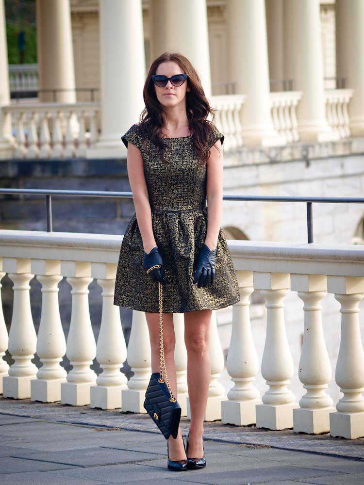 bittersweet colours, baroque trend, leather gloves, full skirt, street style,