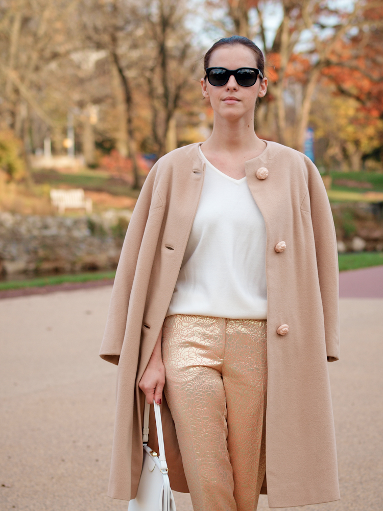 bittersweet colours, metalic trend, street style, monochrome trend, pastels, colorful coats, fall coat, fall street style, red pumps,
