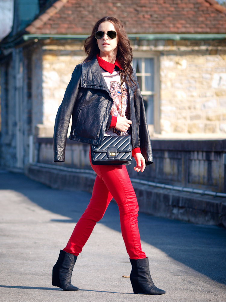 bittersweet colours, leather jacket, red jeans, ray ban, fall street style,
