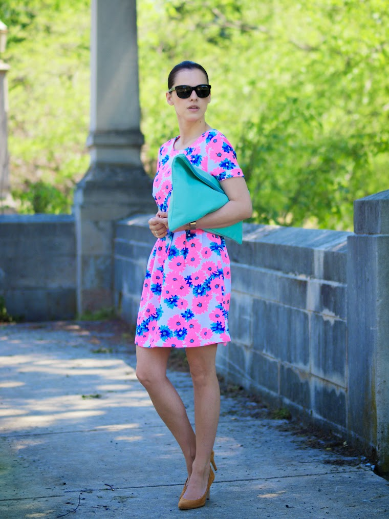American Apparel clutch, bittersweet colours, COLORS, cooee jewelry, daisy, floral prints, J Crew shoes, Ralph Lauren sunglasses, street style, summer dresses,