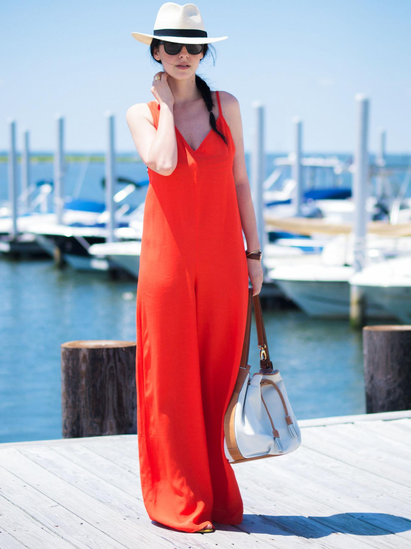 bittersweetcolours, red jumpsuit, Asos jumpsuit, ocean, beach outfit, J.Crew hat, fedora hat, bucket bag, daniel wellington watch, Gorjana jewellty, tresjewlery, summer, summer trends,
