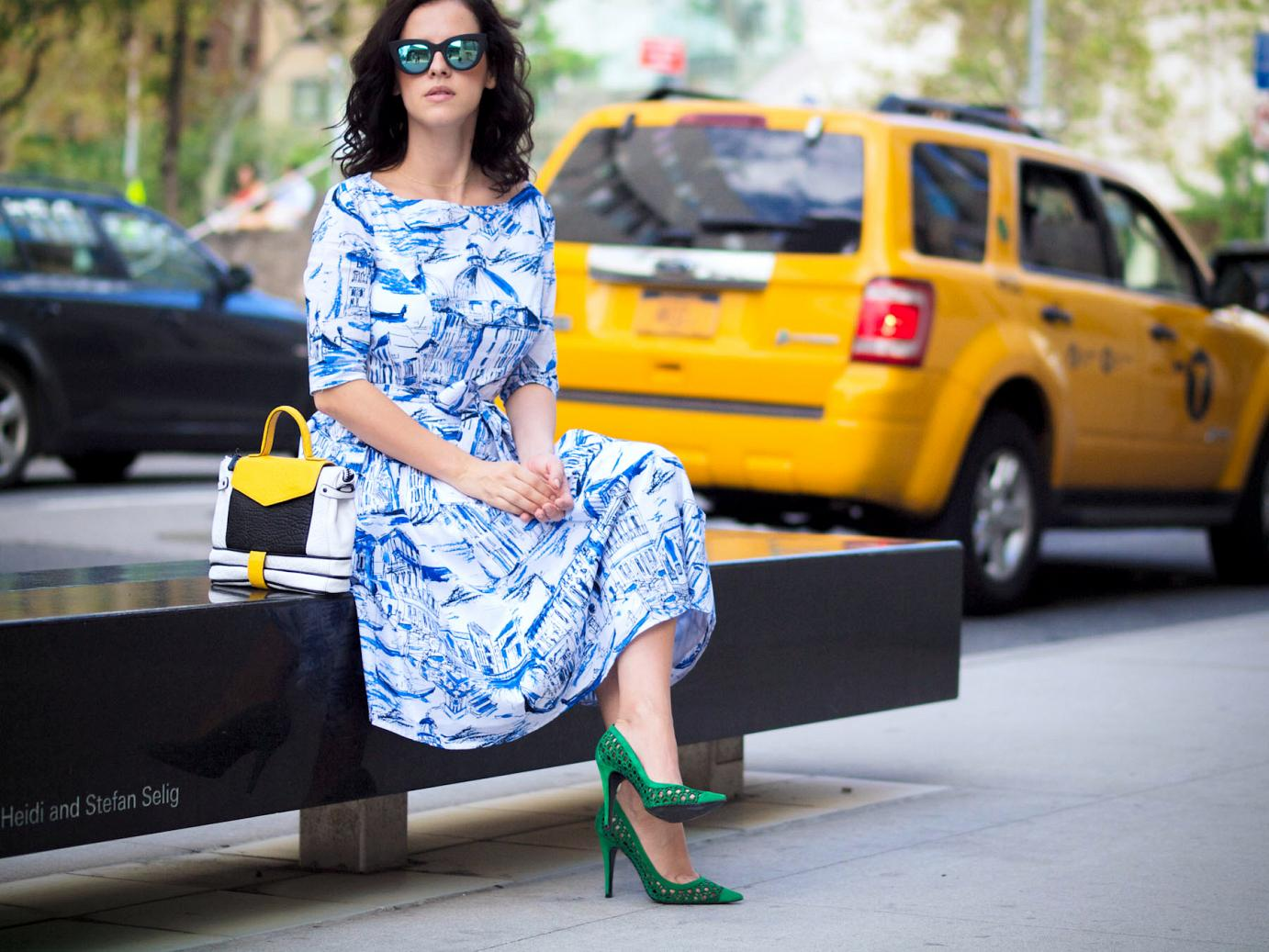 asos sunglasses, bittersweet colours, cooee jewelry, eye cat sunglasses, facine bag, green shoes, ink drawing print dress, lincoln Center nyfw, mirrored sunglasses, New York, nyfw september 2014, nyfw street style, pierre hardy shoes, printed dress,