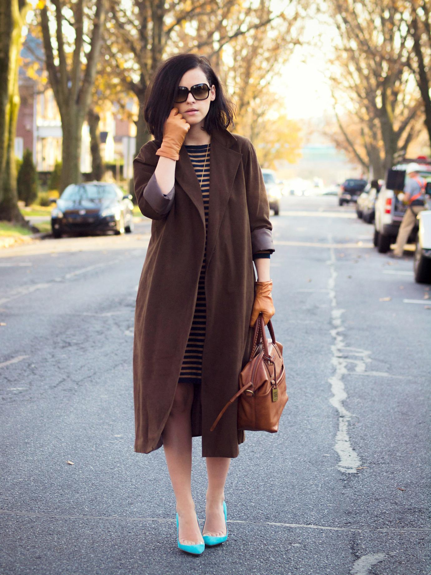 bittersweet colours, fall street style, suede coat, leather gloves, stripes, ysl, maternity style, 24 weeks, konstantina tzovolou shoes, blue heels, street style,