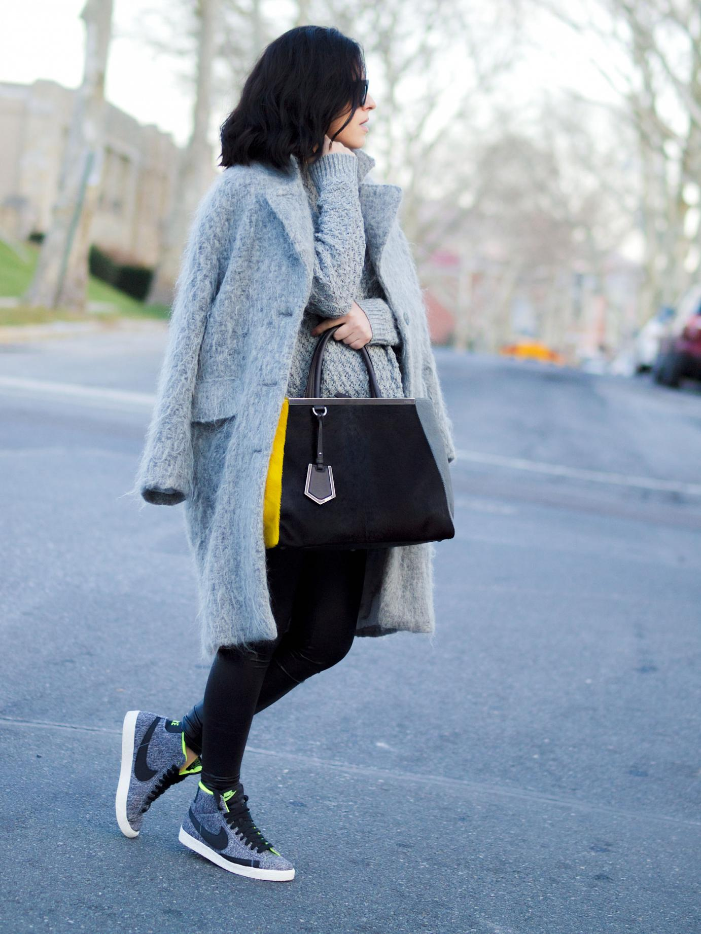 bittersweet colours, street style, fuzzy coat, grey coat, nike sneakers, sneakers trend, 2jours bicolor fendi bag, fendi bag, maternity style, 29 weeks, casual look, cable knit sweater, winter coats,